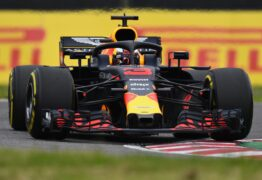Daniel Ricciardo driving the (3) Aston Martin Red Bull Racing RB14 TAG Heuer on track during practice for the Formula One Grand Prix of Japan at Suzuka Circuit on October 5, 2018 in Suzuka.