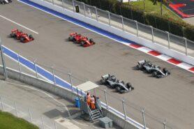 Ecclestone: Ferrari 'too Italian' for title