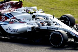 Suzuka Circuit, Suzuka, Japan Sunday 7 October 2018. Sergey Sirotkin, Williams FW41, battles with Charles Leclerc, Sauber C37 Ferrari.