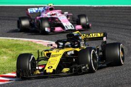 Nico Hulkenberg (GER) Renault Sport F1 Team RS18 & Sergio Perez Racing point Force India, Japanese Grand Prix, Sunday 7th October 2018. Suzuka, Japan.