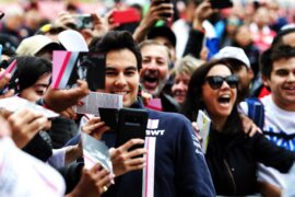 Sergio Perez (MEX) Racing Point Force India F1 Team with fans. United States Grand Prix, 2018. Circuit of the Americas, Austin, Texas, USA.