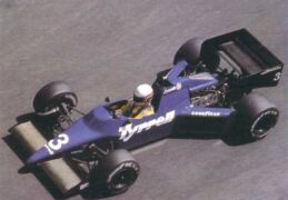 Tyrrell 015 driven by Martin Brundle at Monaco (1985)