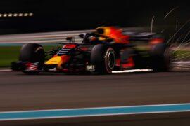 Daniel Ricciardo of Australia driving the (3) Aston Martin Red Bull Racing RB14 TAG Heuer on track during qualifying for the Abu Dhabi Formula One Grand Prix at Yas Marina Circuit on November 24, 2018 in Abu Dhabi, United Arab Emirates.
