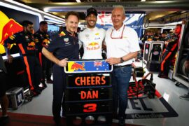 Daniel Ricciardo of Australia and Red Bull Racing poses for a photo with Red Bull Racing Team Principal Christian Horner and Red Bull Racing Team Consultant Dr Helmut Marko ahead of his final race for the Red Bull Racing team before the Abu Dhabi Formula One Grand Prix at Yas Marina Circuit on November 25, 2018 in Abu Dhabi, United Arab Emirates.