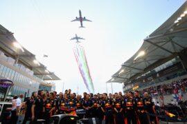 The Red Bull Racing team prepare on the grid before the Abu Dhabi Formula One Grand Prix at Yas Marina Circuit on November 25, 2018 in Abu Dhabi, United Arab Emirates.