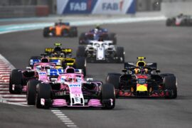 Max Verstappen of the Netherlands driving the (33) Aston Martin Red Bull Racing RB14 TAG Heuer battles with Esteban Ocon of France driving the (31) Sahara Force India F1 Team VJM11 Mercedes on track during the Abu Dhabi Formula One Grand Prix at Yas Marina Circuit on November 25, 2018 in Abu Dhabi, United Arab Emirates.