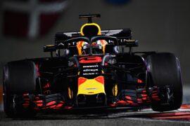 Daniel Ricciardo of Australia driving the (3) Aston Martin Red Bull Racing RB14 TAG Heuer on track during the Abu Dhabi Formula One Grand Prix at Yas Marina Circuit on November 25, 2018 in Abu Dhabi, United Arab Emirates.