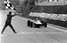 Lotus 33 driven by Jim Clark French GP, Clermont Ferrand, 27 June 1965 (2)
