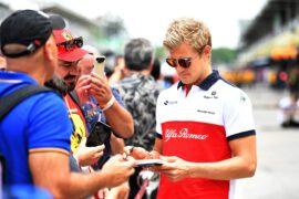 Marcus Ericsson Sauber F1 Team signs autographs for the fans at Formula One World Championship, Rd20, Brazilian Grand Prix, Qualifying, Interlagos, Sao Paulo, Brazil, Saturday 10 November 2018.