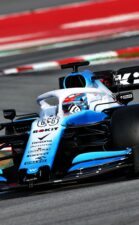 Russell defends Williams after test delay