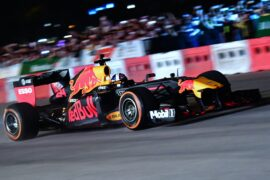 Red Bull F1 Car with Coulthard VS BMW Superbike with Guy Martin