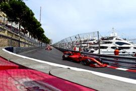 Binotto: Ferrari taking 'risks' to catch up