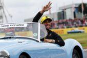 Rival boss says Ricciardo 'frustrated'