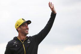 Prost admits Renault could lose Ricciardo