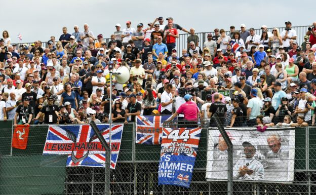 Spectators need 'patience' before returning to F1 tracks