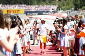 Hamilton 'staying calm' after setback