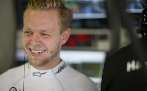 Magnussen says he was approached by other F1 team