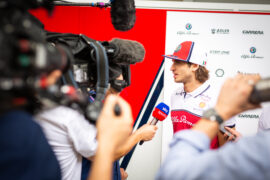 Giovinazzi sees 'chance' of Ferrari seat