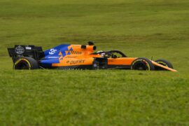 Carlos Sainz, McLaren MCL34, on a straight Brazilian GP F1/2019