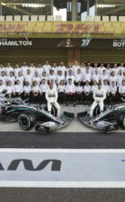 Mercedes says F1 quit reports 'simply wrong'