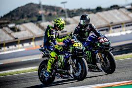 Wallpaper Pictures Hamilton & Rossi drive-swap in Valencia