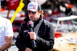 Alonso tells Renault to focus on 2022