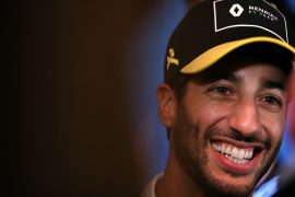 Ricciardo skips over Ferrari rumours