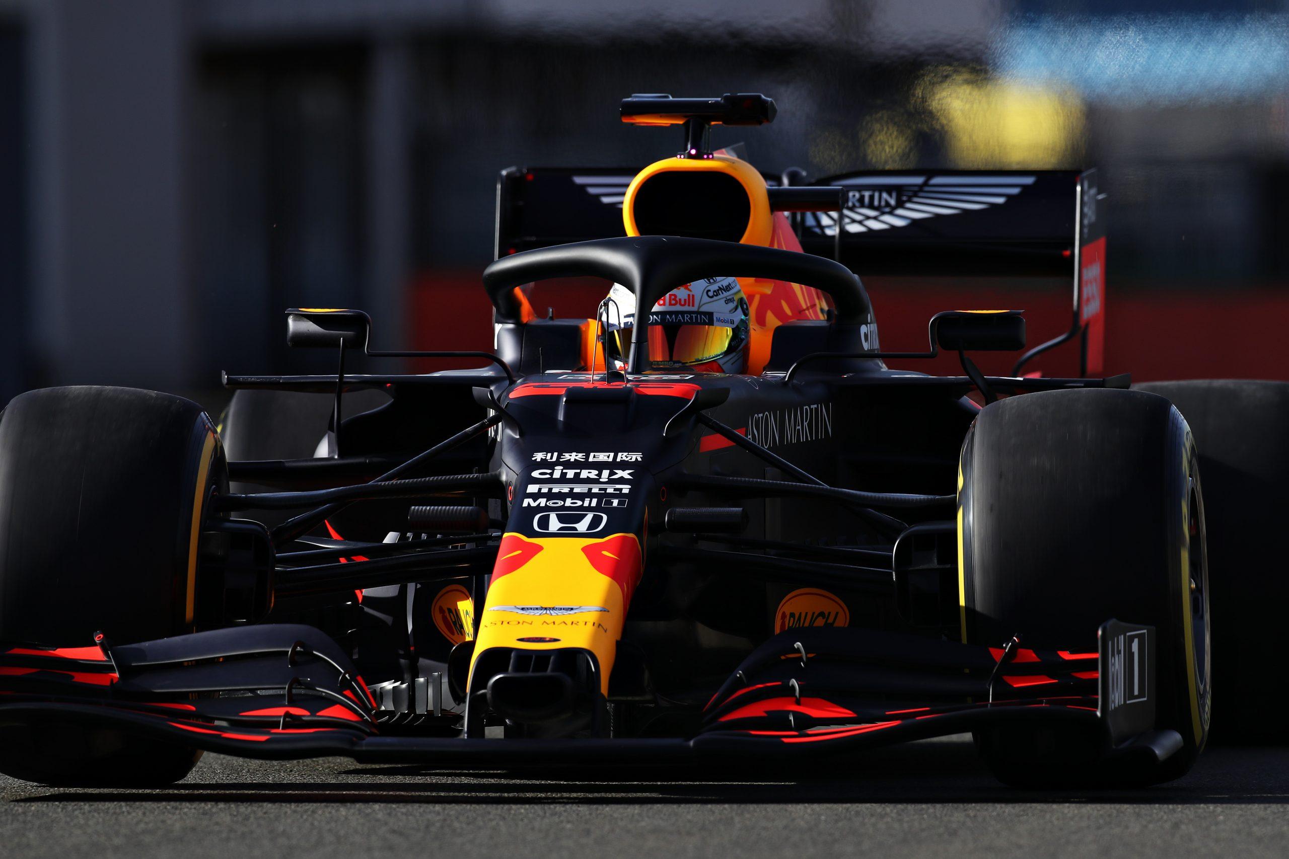 2020 Red Bull RB16 F1車の打ち上げ写真