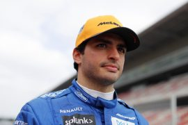 Sainz worried about speed of Racing Point & Renault