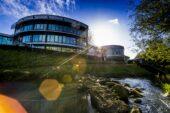 Mercedes their home: Mercedes F1 Factory Tour!