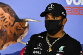 Wolff denies Hamilton distracted by politics