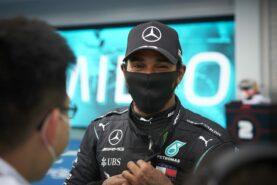 Hamilton hits back at F1 legends over racism