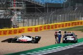 Magnussen wants 'new car' after Silverstone struggle