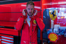 Vettel admits Ecclestone contract advice