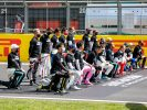 Hamilton: Talks needed with drivers who won't kneel
