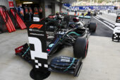 Daimler yet to agree on new Hamilton four year deal