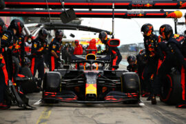 Red Bull Racing wins DHL fastest pit stop award