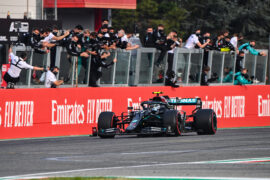 Mercedes to keep black livery in 2021