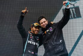 Wolff 'not worried' about Hamilton contract rumours