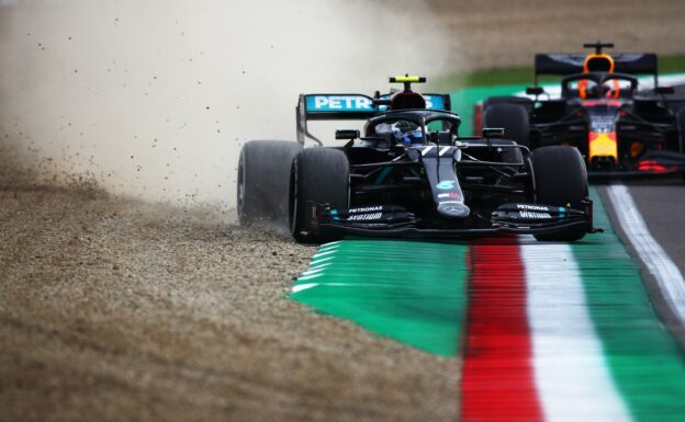 Mercedes team struggling with this year's new aero rule change