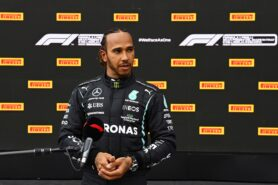 Hamilton 'unwilling to accept' Verstappen pressure