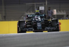 Vettel struggling with new Aston Martin during first race