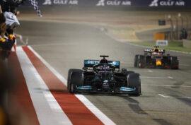 Hamilton says Verstappen will make him grey this season