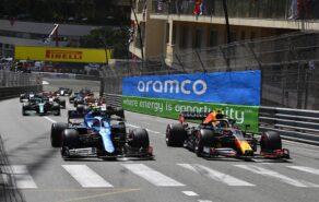 Mercedes team boss keeping focus on Red Bull's 'bendy' wing