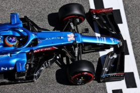 CEO says Alonso has leadership role a Alpine