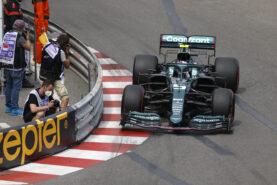 Villeneuve says 'crazy' to expect Vettel to quit F1