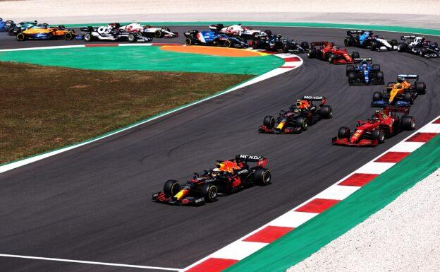 Red Bull Racing 'calm' amid new flexible wing saga