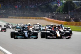 Hamilton wins 2021 British F1 GP at Copse corner