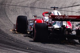 Pundits say Raikkonen getting too old for F1 now