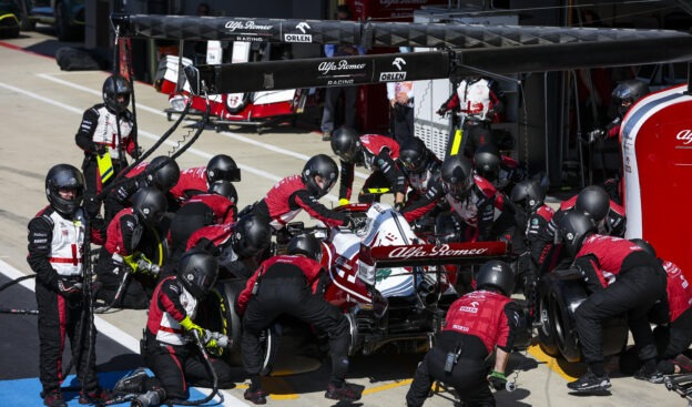 New pitstop rules delayed until after F1 summer break